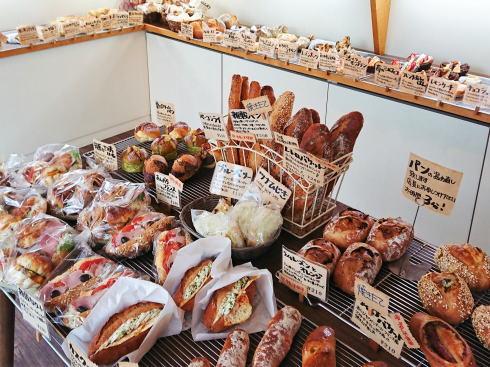 緑井 グテ(gouter)、パン選びと組み合わせが楽しい手作りパン店