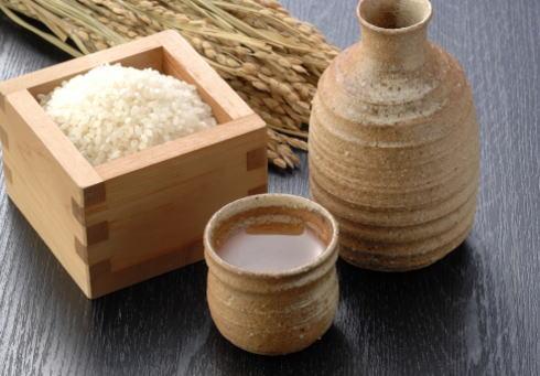 日本酒燦々 アリスガーデンで全国100種の酒飲み比べ、焼鳥などフードも