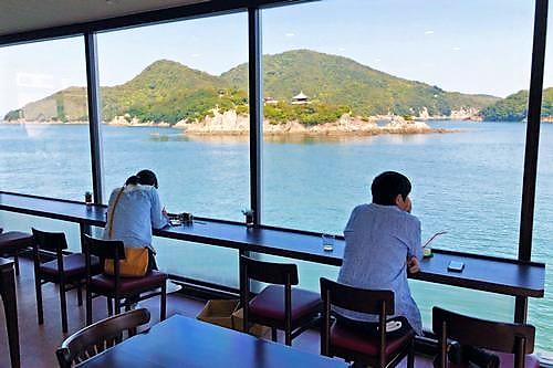 福山市営渡船場の2F、カフェ SHION シオン