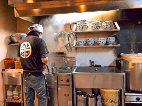 麺鮮醤油房 周月 広島店 店内の様子2