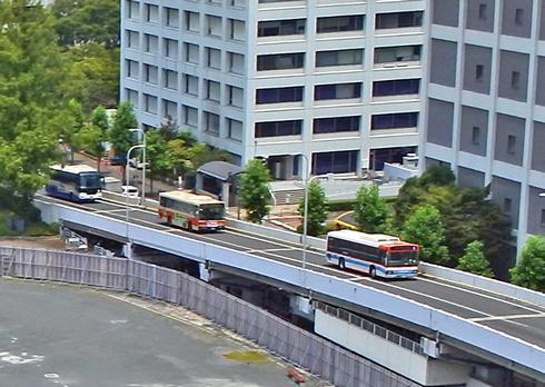バス専用スロープで、広島バスセンターのある そごうビルの3Fへ