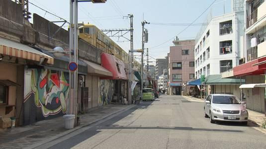 横川ガード下に軒を連ねた飲食店街、立ち退きまでの3年を追ったドキュメンタリー