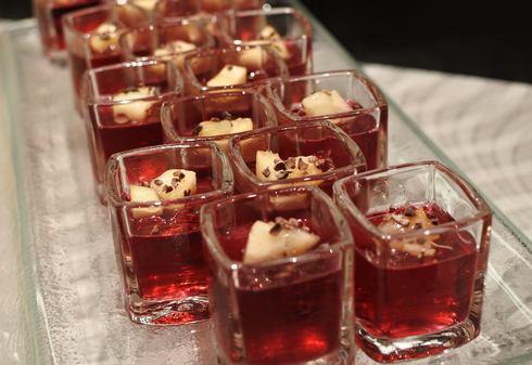 オリエンタルホテル広島でサマーデザートブッフェ、桃のスイーツ食べ放題