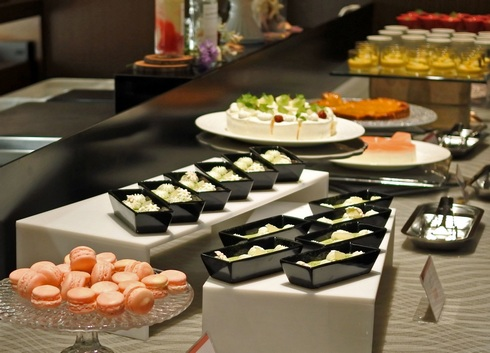 オリエンタルホテル広島、桃のデザートブッフェ