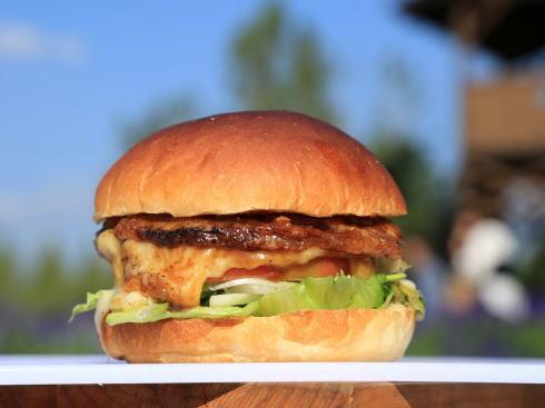 夏のせらバーガーフェスタ、世羅牛・しし肉・すきやき!ユニークバーガー集結