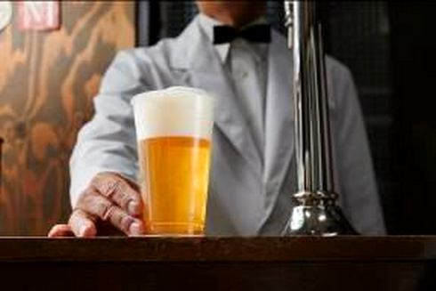 ビールスタンド重富、広島駅にオープン!生ビールの聖地が駅ビルに