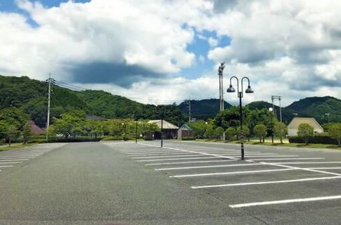 吉田運動公園 駐車場