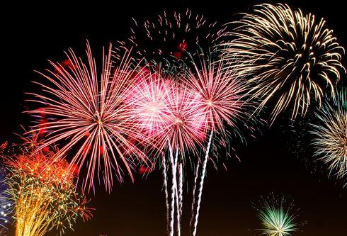 1万発が夜空を彩る!広島みなと夢花火大会 2019、交通規制にご注意を