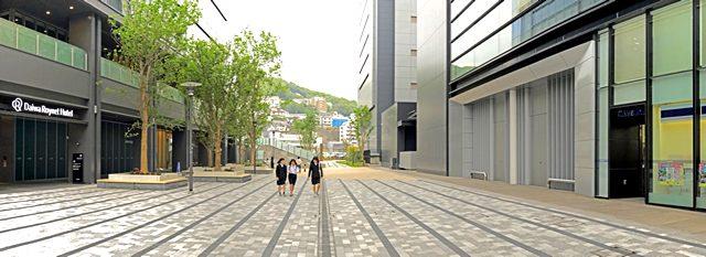 エキキターレ、広島テレビとグラノード広島の間のイベント広場
