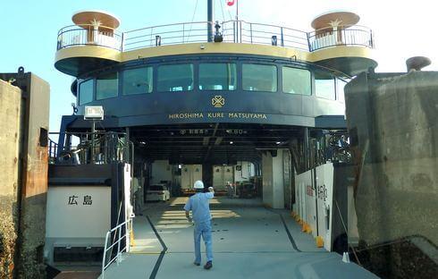 シーパセオの1F部分は、ワゴン・デッキ(車両甲板)