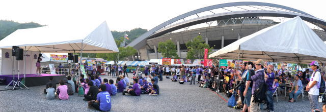 サンフレッチェ広島 スタジアムグルメ おまつり広場3