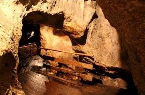 帝釈峡の鍾乳洞 (白雲洞)