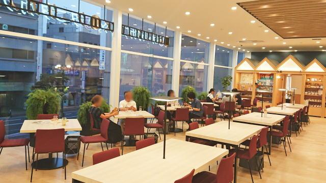 呉市 オールカフェ×タニタカフェ 店内の様子