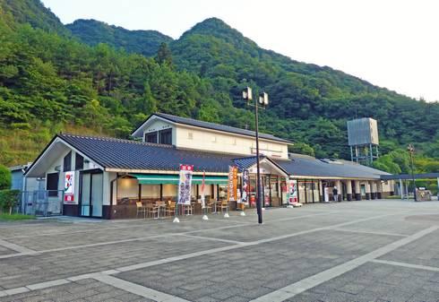 八幡PA(下り線)02