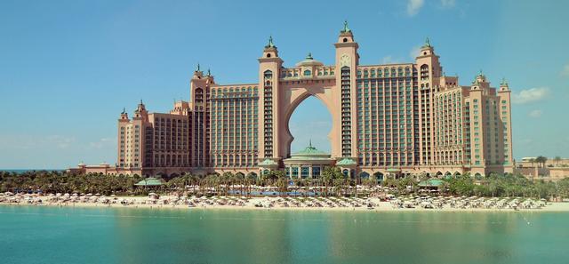 ドバイの海中ホテル、アトランティス・ザ・パーム!スイートが水中に