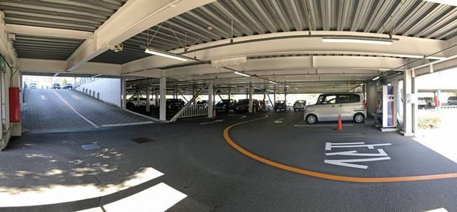 泉美術館 駐車場