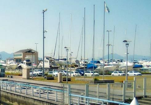 広島観音マリーナ 陸上ヤードとサービス工場