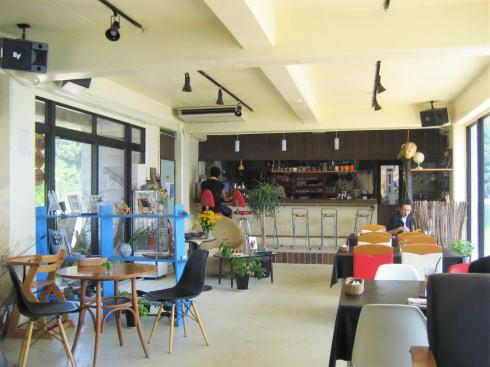 波輝カフェ の店内の様子2