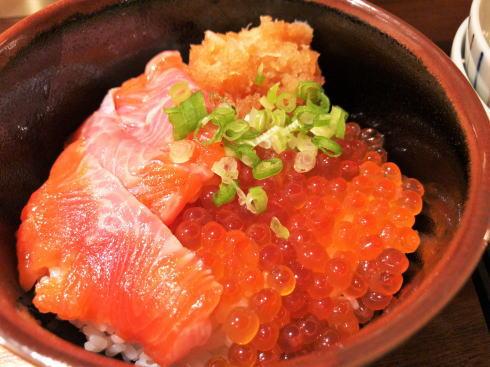 広島市にサーモン料理専門店 鮭バル、飽きぬ鮭バリエーションで酒すすむ