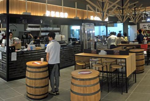 ビールスタンド重富、広島駅北口1F ekieキッチンに