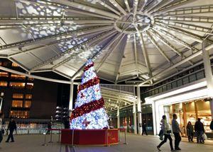 広島駅のレッドクリスマス Xmasツリー