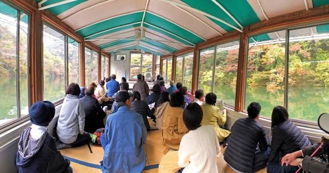 芸備線復活記念 帝釈峡ツアー 帝釈峡遊覧船船内の様子