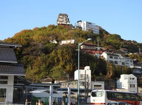 尾道城とビュウホテルセイザン