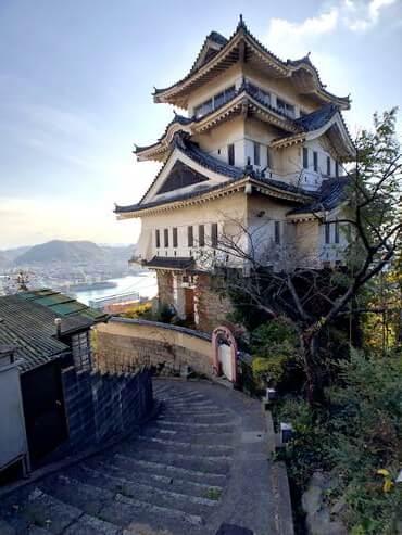 解体される尾道城