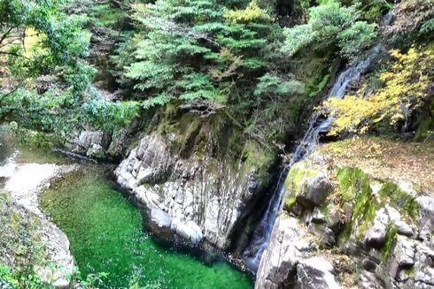 三段峡の魅力的な風景と紅葉9