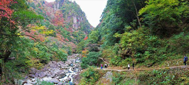 三段峡の魅力的な景観1
