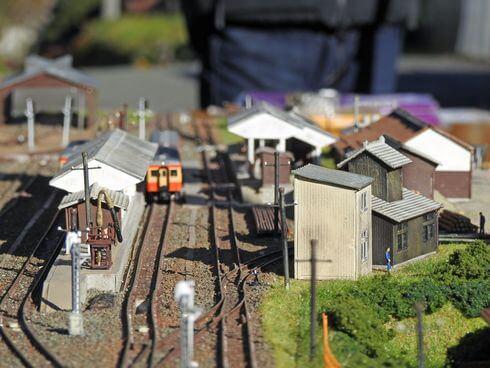 備後落合駅のジオラマ、線路とホーム