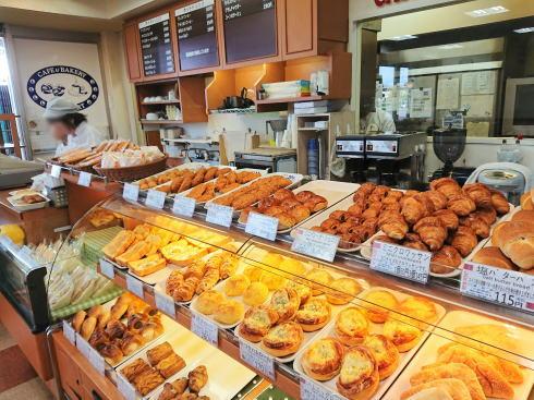 広島港のパン屋「ニューポート」店内の様子