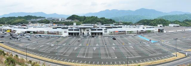 ジアウトレット広島 全景写真2
