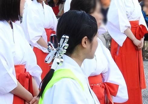 巫女の髪飾り、広島護国神社の巫女踊りにて