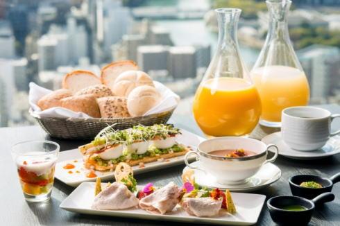 最上階で贅沢朝食!リーガトップで朝活・エクストリーム出社も