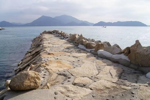 野賀海水浴場 西側の堤防