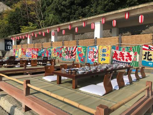 野賀海水浴場 ロケ地になった桟敷