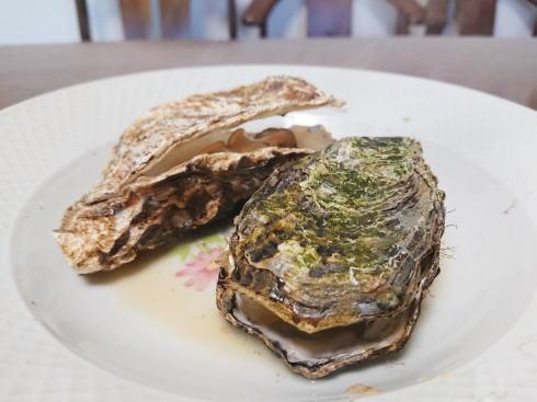殻付き牡蠣の食べ方 口があいたら食べごろサイン