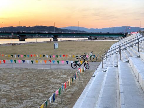 福山市 芦田川かわまち広場(親水公園)駐車場あり