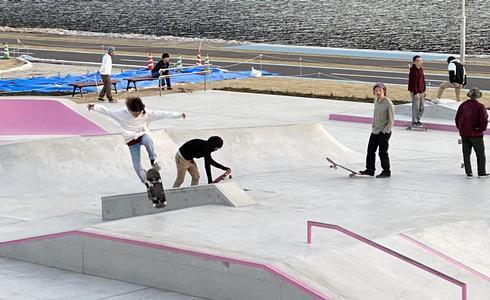 スケートボードパーク、福山市 芦田川かわまち広場(親水公園)