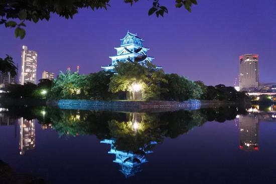 ブルーライトアップで医療関係者に感謝と敬意を!広島城など県内各地で