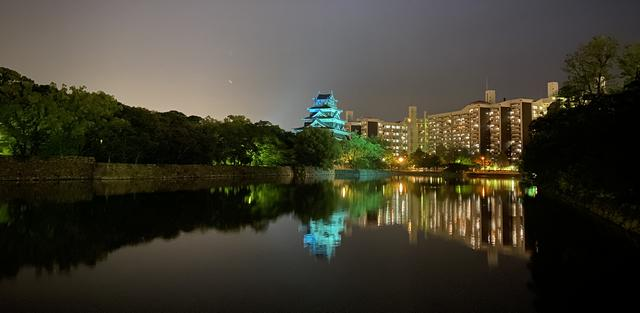 広島城のブルーライトアップ