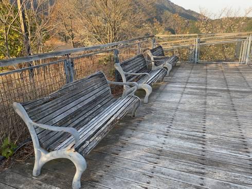 鉢巻き山展望台 ベンチ
