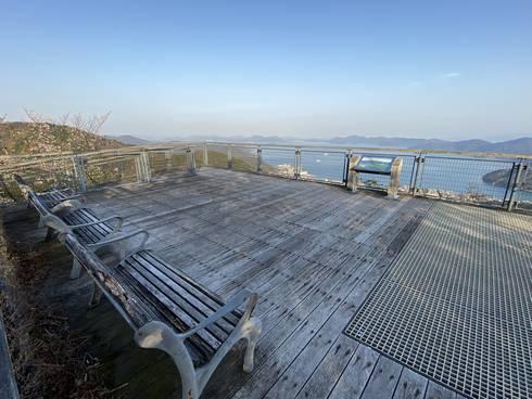 鉢巻き山展望台 ベンチからの眺め
