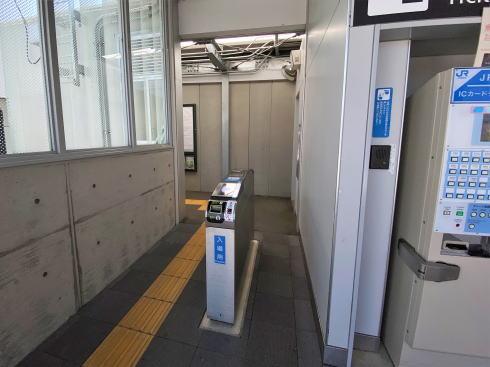 JR河戸帆待川駅 駅構内の様子2