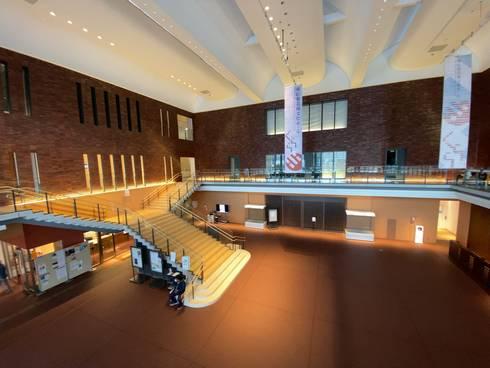 東広島芸術文化ホール くらら こもれび広場01