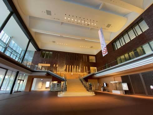東広島芸術文化ホールくらら こもれび広場02