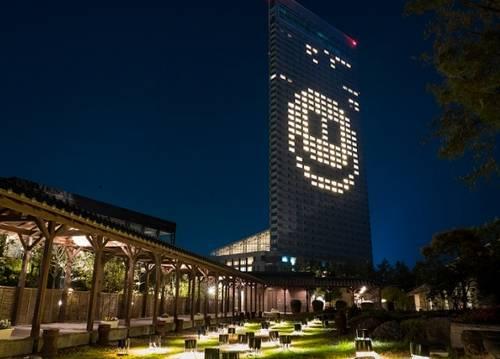 広島のシェラトンなどで希望の明かり「スマイルマーク」ホテルをライトアップ