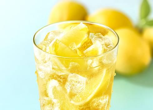 モスがレモンまるごと1個入りジンジャエール発売、瀬戸内はっさくレモンも復活