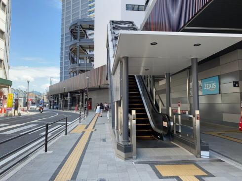 広島駅南口 ペデストリアンデッキの様子1